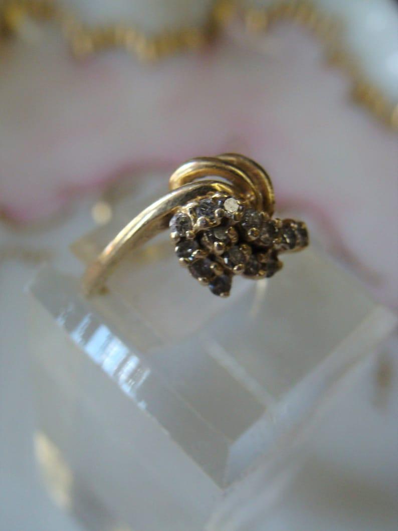 Vintage 14k yellow gold Deco era Diamond Starburst Cluster  Ring size 6