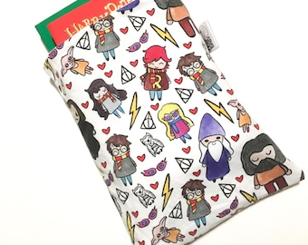 Harry Potter book sleeve - Harry Potter book protector - Harry Potter gift - bookworm gift
