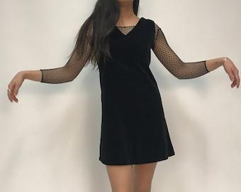 Vintage Black Sleeveless Velvet Mini Dress with Pockets
