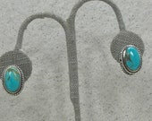 Beautiful Sterling Silver And Turquoise Mill Grain Clip-on Earrings