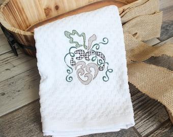 Acorn Hand Towel - Thanksgiving Hand Towel - Fall Decor Towel - Thanksgiving Decor - Fall Decor - Bathroom Decor - Bathroom Hand Towel