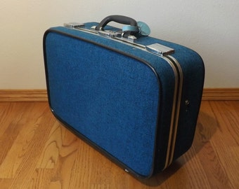 "Skyway Suitcase ~ 21"" x 14"" x 7"" ~ 1960's ~ Blue Tweed ~ Soft Sides ~ Combination Lock"