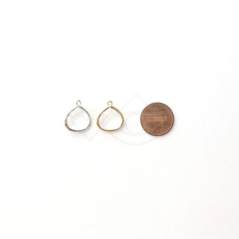 1066211  Mint  16k Gold Plated Brass Framed Glass Pendant  16mm x 18.5mm  1.7g  2pcs