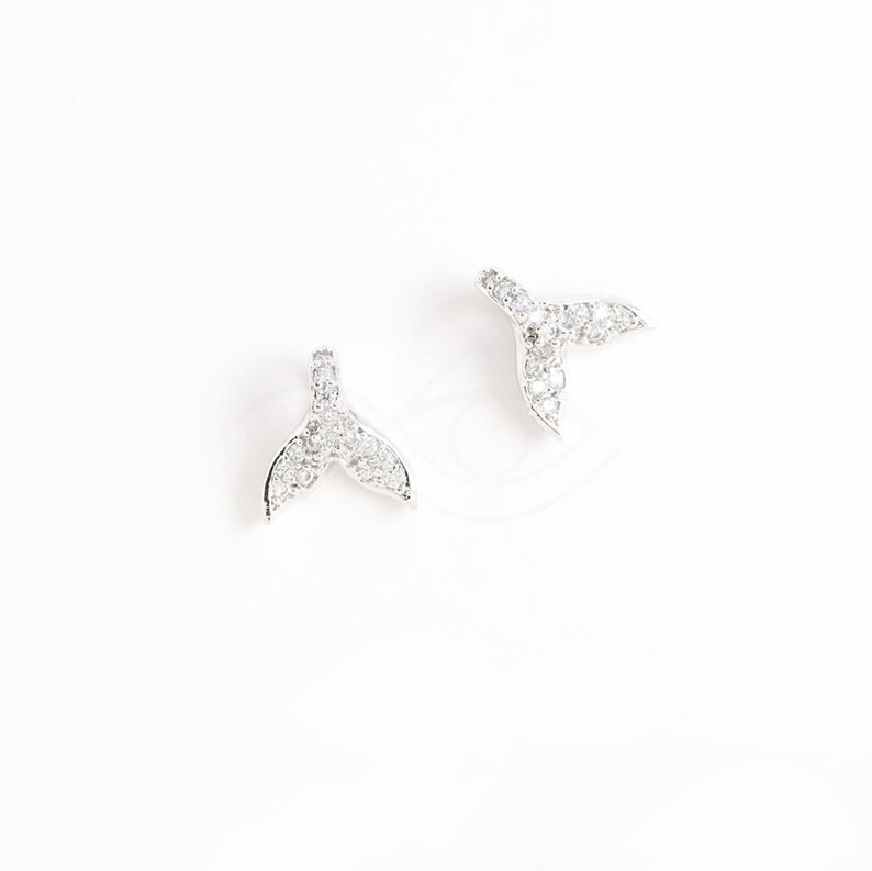 3638012  Whale Tail  Rhodium Plated Brass with CZ Pendant 8.5mm x 9.3mm  0.5g  2pcs