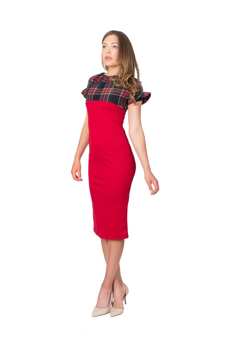bc6c59c18 Rojo Y tartán Midi Vestido con Falda tubo y la manga con volantes Accent