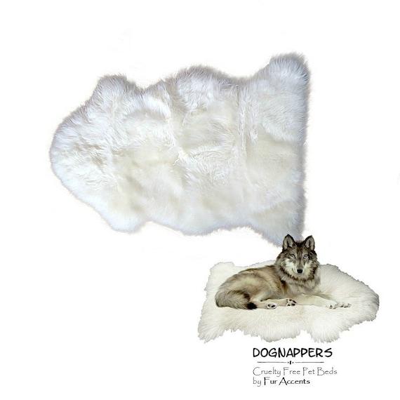 Purple super soft faux fur rug cat dog pet matt brand new 90x75cm