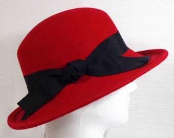 Women's Vintage Red Felt Hat Street Smart by Betmar 100% Wool Felt Made in USA Red Hat Society Felt Hat