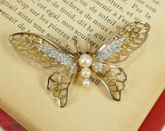 Vintage Unsigned costume jewelry Butterfly Gold Tone Faux Pearl Clear Rhinestone Red Brooch Ruby Eyes Insect Jewel