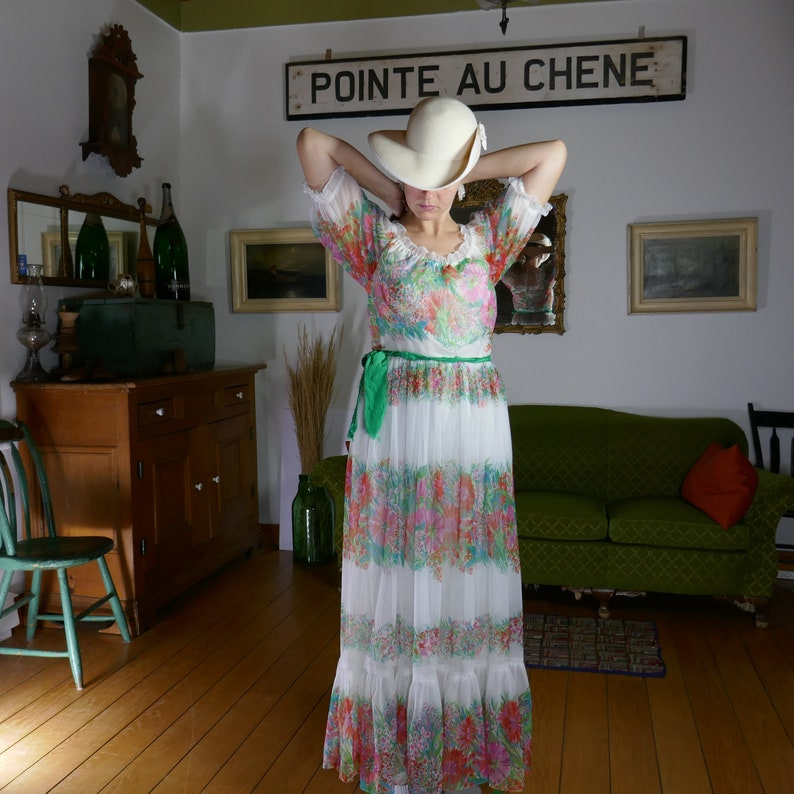 Vintage SMALL Jeannene Booher Floral Long Maxi White pink image 0