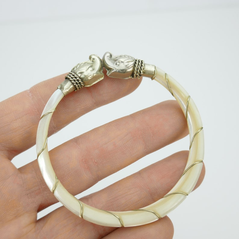 Vintage Wired mother of pearl Bangle Bracelet Silver tone Elegant SMALL WRIST carved shell good luck