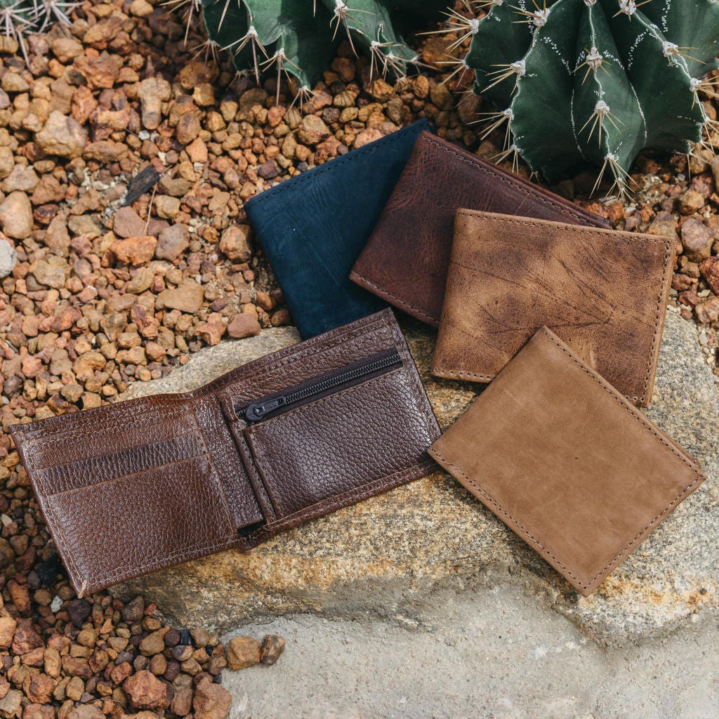 Coin Pocket Wallet | Small Leather Bifold Wallet with Coin Pocket