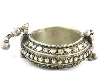 Old bracelet Yemen, bedouin jewelry. Free shipping worldwide!