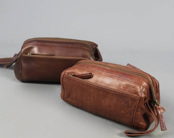 Zipped leather wash bag  vintage style shaving make up toiletry cosmetics  case travel mens optional extra personalised embossed tag e4a52906d3489