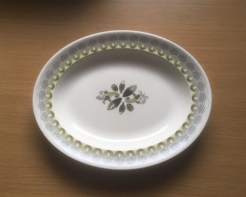 13 Made in England Serving Plate Wedgwood Persephone Yellow Oval Platter