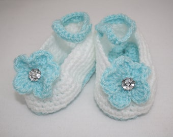 02d8402f6e6 Hand Crocheted Summer Shoes for Baby Girl    Size 3 - 6 Months    Baby  Summer Shoes    Crib shoes    Baby Shower Gifts    Mary janes
