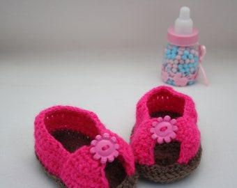 Pink Sandals // Pink crochet sandals // Cute baby girl shoes // baby shower gift ideas // baby shoes // baby sandals // cute pink shoes