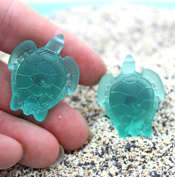 Knobs / TURQUOISE TURTLE / Beach Glass Cabinet Knobs, Cabinet Knobs, Beach  Decor, Nautical Decor, Beach Cottage Decor, Blue Glass Knobs