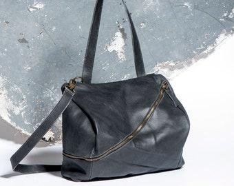 a677b4b612f3 Black Leather Purse
