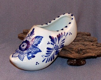 Delft Blue Ceramic Clog Shoe // Made in Holland // Hand Painted // Blue Flowers // Delfts Blauw // Delft Blue