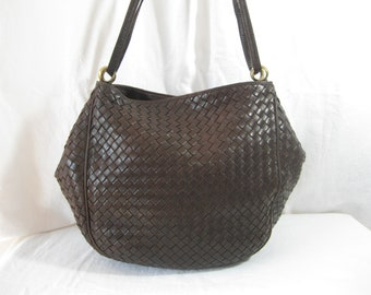 Vintage BOTTEGA VENETA brown leather weave semi frame shoulder bag c0485effba3c5