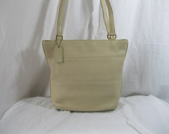 bf076bae4a07 Genuine vintage COACH Tribeca ivory leather bucket bag purse 90s