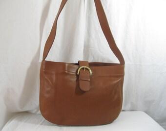 7324b350af9e3 Genuine vintage COACH tan leather shoulder bag purse 90s