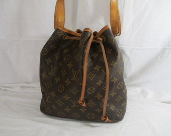 83c0788ce040 RESERVED Genuine vintage Louis Vuitton monogram petite noe drawstring  shoulder bag bucket 1990
