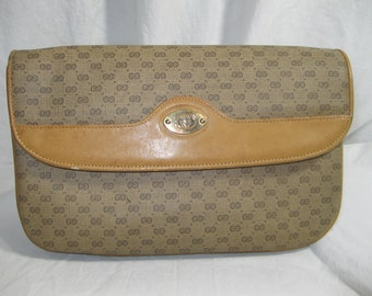 26c3f71d4a98 Reserved for Erica Genuine vintage GUCCI signatue tan coated canvas leather  clutch bag