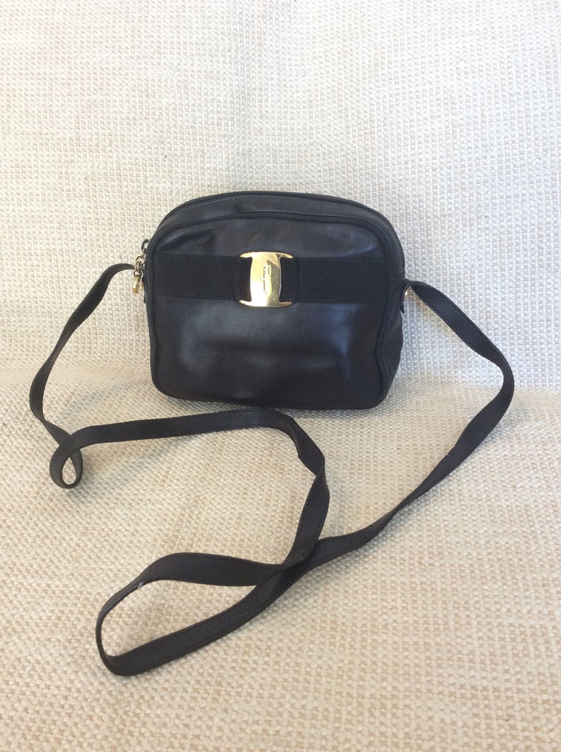 Genuine vintage fashionable Salvatore Ferragamo Vara black  e953cdfea56df