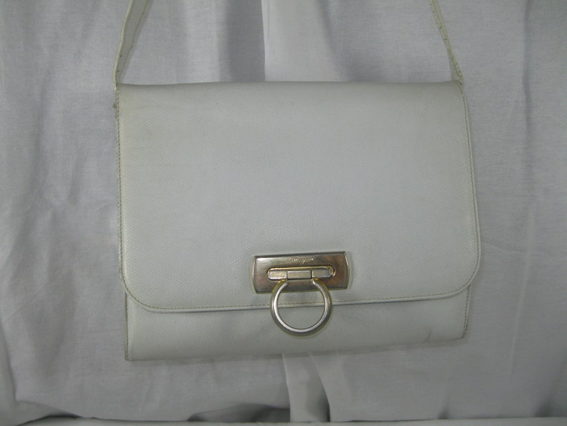 e53644d2789c Vintage SALVATORE FERRAGAMO white Gancini flap leather