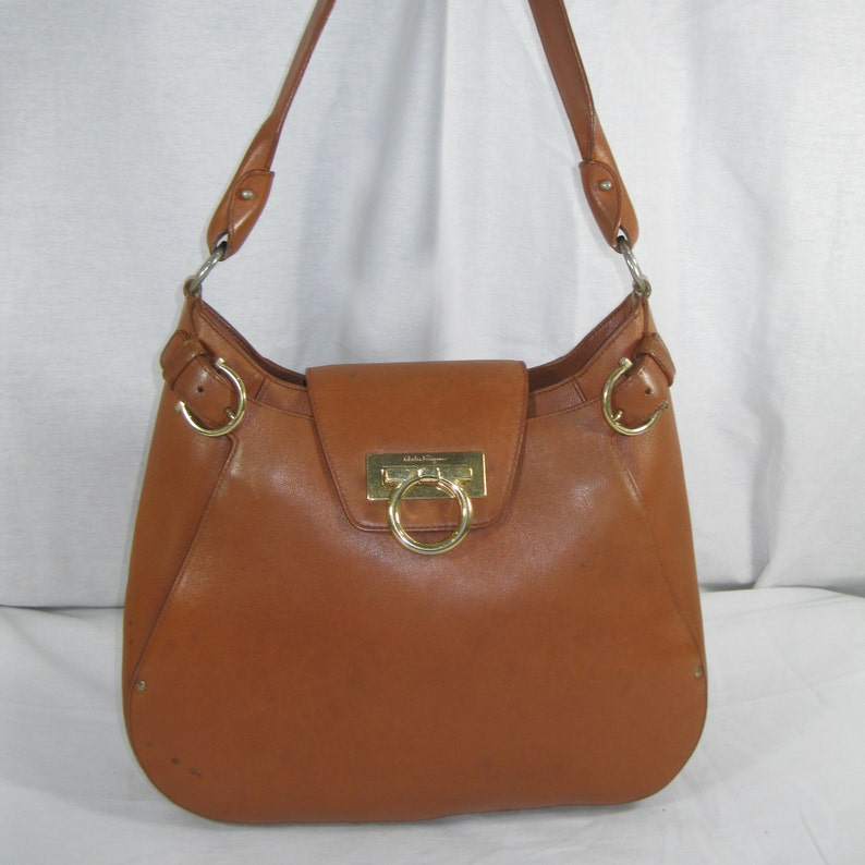 9c2dc4656b Genuine Vintage Salvatore Ferragamo tan leather shoulder bag boho Gancini  classic