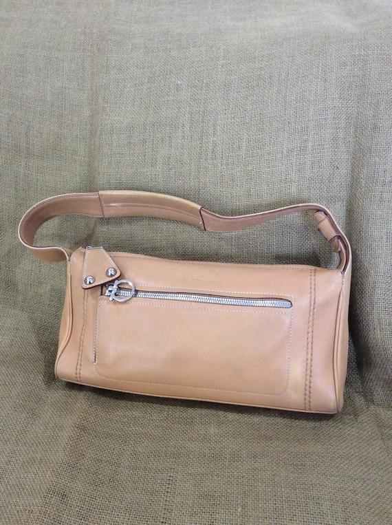 ff3e69103f Vintage Salvatore Ferragamo tan leather shoulder bag purse