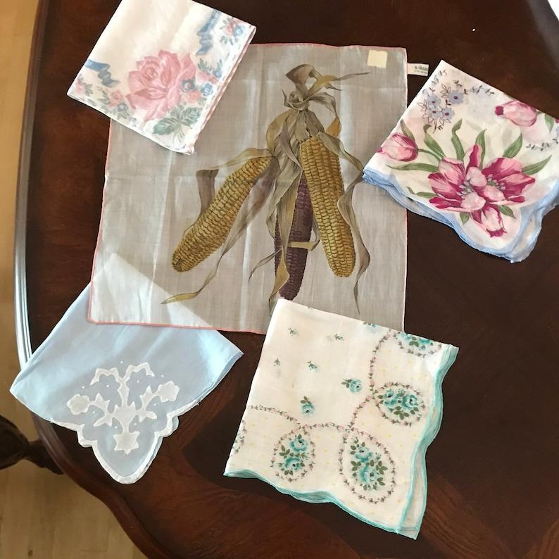 5 Vintage Women/'s Hanky Handkerchiefs or Hankies
