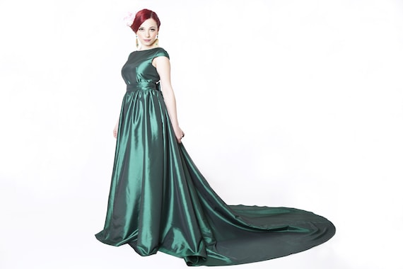 Long emerald green prom dress with train long ball gown red