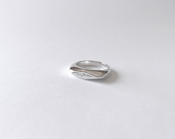 Winter flower signet ring