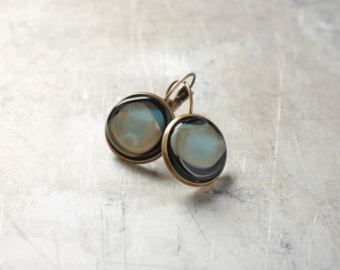 Pendant glass and brass earrings