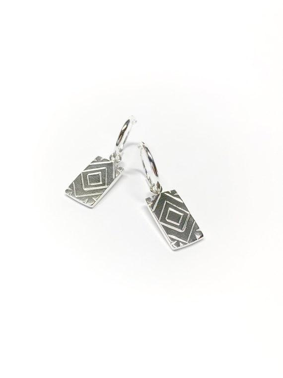 Mini QUARTZ silver hoops