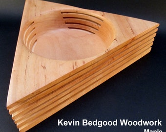 Bowl sculptural, Triangle, maple cut series,