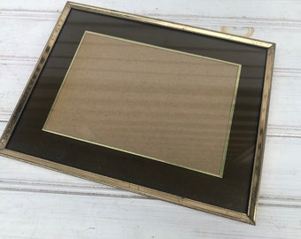 Vintage Mid-Century Frame Gold Metal Easel Back Tabletop Photo Display (133)