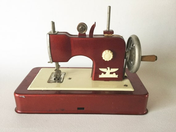 Red CASIGE Toy Metal Child's Sewing Machine Vintage Etsy Awesome German Sewing Machine