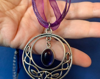 Amethyst Triquetra Talisman Necklace, Celtic symbol jewelry, amethyst crystal trinity knot necklace, Celtic knot ritual jewelry for samhain