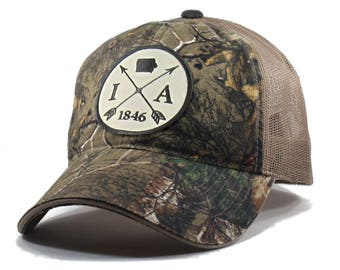 Homeland Tees Iowa Arrow Hat - Realtree Camo Trucker