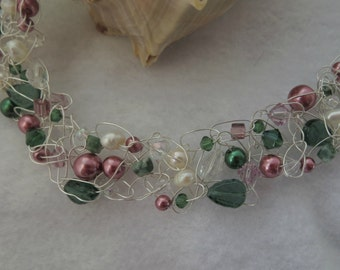 """Pearl Roses""""- Crochet Wire Necklace"""
