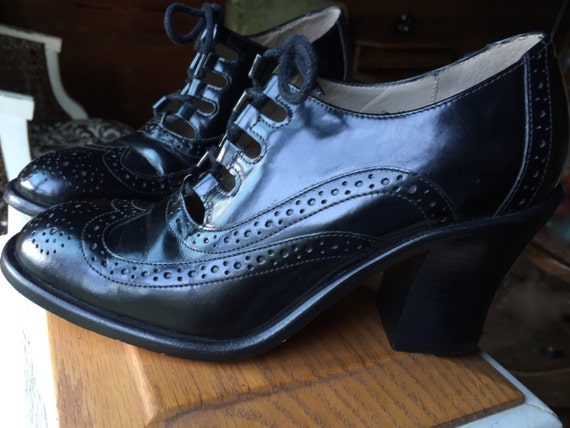 Lace- Up Heels Oxfords Black Leather Size 6 M Made