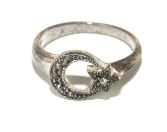 925 Vintage Estate Sterling Silver Ring Half Moon Star Night Sky Crescent Sz 8 Marcasites Celestial Jewelry Jewellery Birthday Gift For Her