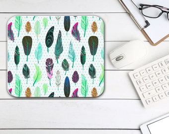 Feathers Print Mouse Pad, Home Office Desk Accessories, Tech Office Supplies, Boho Bohemian Hippie Rectangle Neoprene Non Slip Mouse Pad