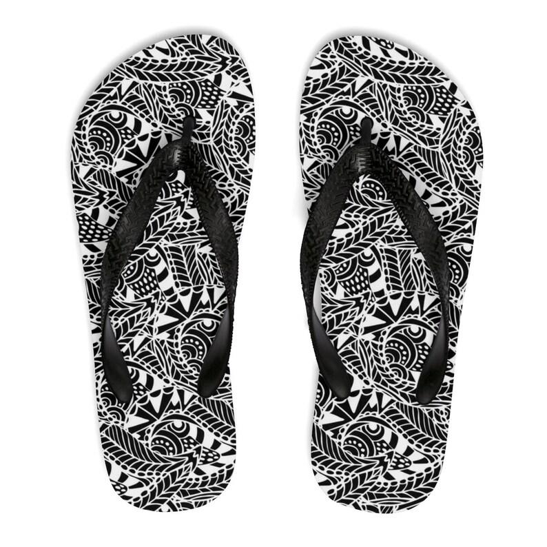 Unisex Flipflops Bohemian Footwear Soft Summer Beach Flip Flops Boho Hippie Flip Flop Shoes Mandala Henna Mendhi Print Sandals