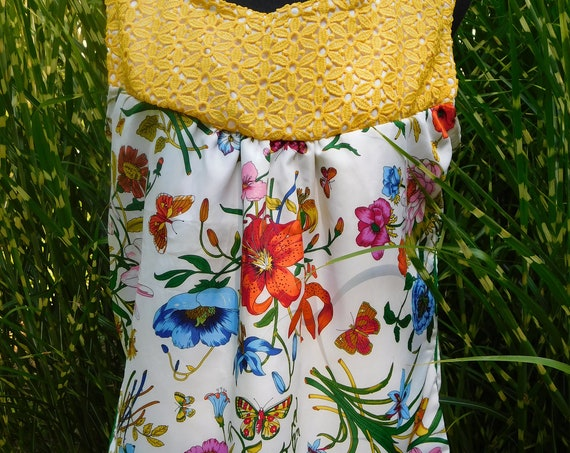 Ladies Size Large Sleeveless Blouse Yellow Lace Linen Vintage Floral Scarf