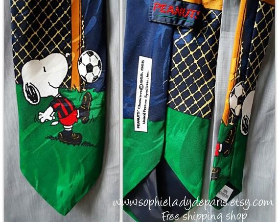 Vintage Snoopy Peanuts Necktie Soccer Player #SophieLadyDeParis