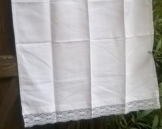 Victorian Curtain White Linen Lace Trimmed French Handmade Valance Panel Kitchen Curtain #sophieladydeparis